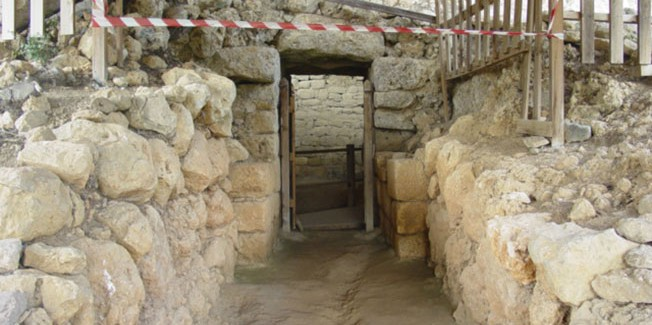 Η δική μας «Αμφίπολη», ο τάφος στα Τζανάτα, ξεχασμένος…….