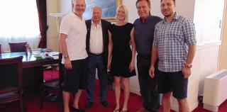 Η διάσημη Ταξιδιωτική Δημοσιογράφος κ.Joanna Booth στο Δημαρχιακό Μέγαρο Κεφαλονιάς