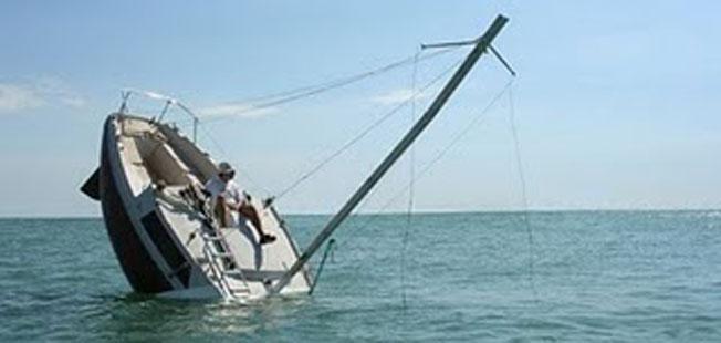 Το καράβι βουλιάζει…. κι αυτοί  χτενίζονται…