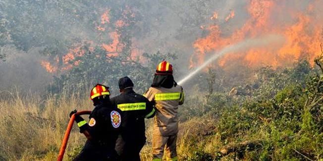 Πυρκαγιά στον Αγκώνα….