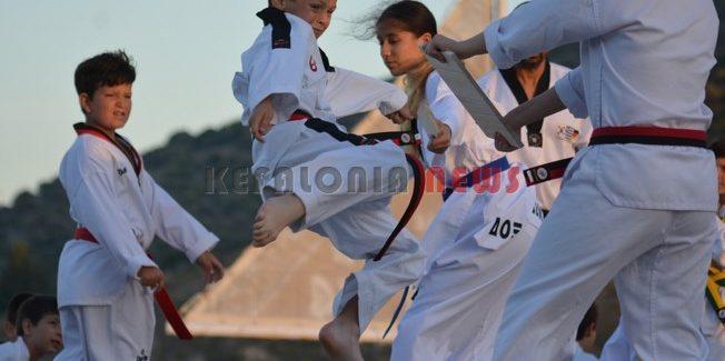 ΑΣ Ιόνιος Σάμης απολαυστικές στιγμές με επιδείξεις tae kwon do.