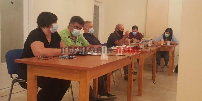 Δημ. Συμβούλιο Ληξουρίου: Συζήτηση για το  ΧΥΤΥ και για τα  Σχολεία