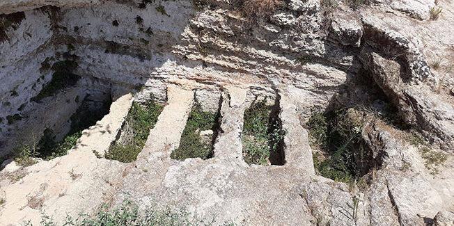 Το βασιλικό Μυκηναϊκό νεκροταφείο της Λακήθρας…..