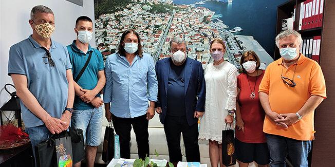Συνάντηση Δημάρχου Αργοστολίου με αντιπροσωπεία  Σέρβων  καλλιτεχνών και δημοσιογράφων