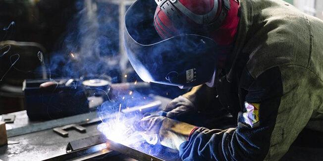 Εργασιακό νομοσχέδιο: Από την εξαρτημένη εργασία, στον εξαρτημένο εργαζόμενο;